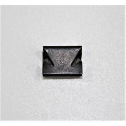 Front Wing Edge Seal Clip